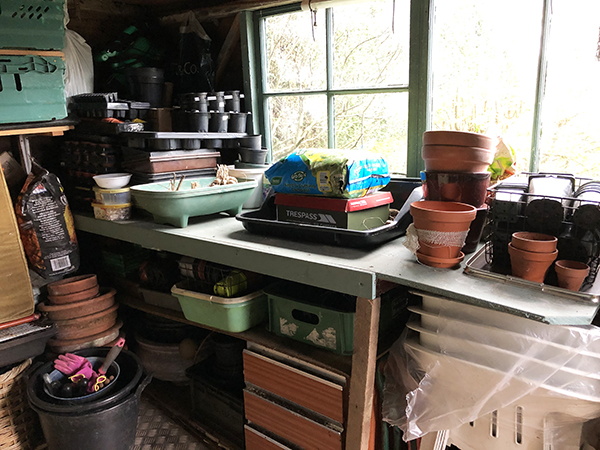 Tidy potting bench